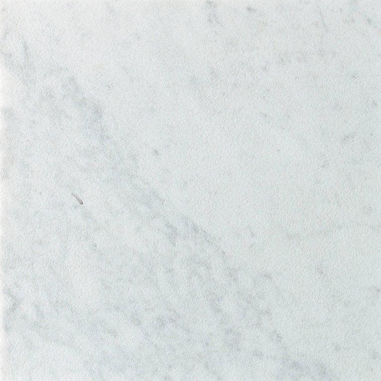 Italian Salvatori Filo Flush 4 / 80 Shower Tray in Sandblasted Bianca Carrara Marble For Sale
