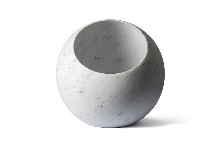 Modern Salvatori Urano Spherical Floor Lamp 50 in Bianco Carrara Marble by Elisa Ossino For Sale