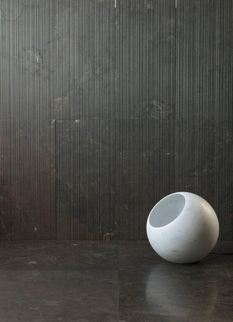 Salvatori Urano Spherical Floor Lamp 50 in Bianco Carrara Marble by Elisa Ossino For Sale 3