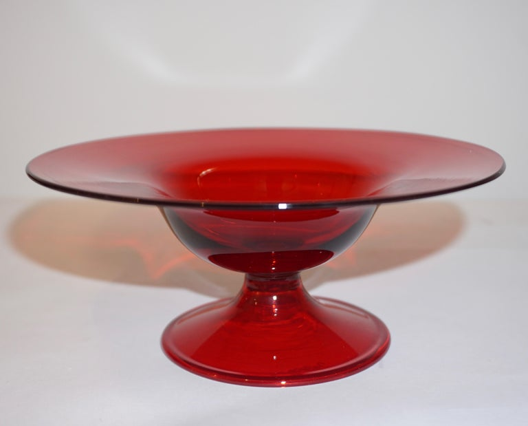 Salviati 1940s Italian Pair of Antique Ruby Red Blown Murano Glass Compote Bowls For Sale 1