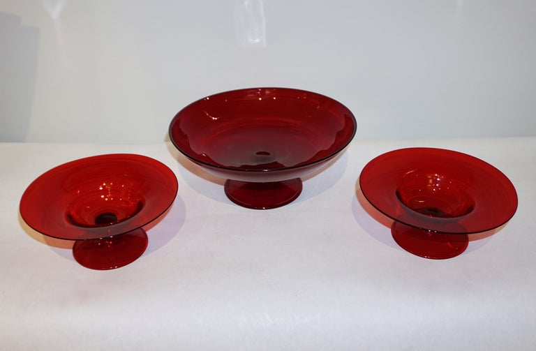 Salviati 1940s Italian Pair of Antique Ruby Red Blown Murano Glass Compote Bowls For Sale 3