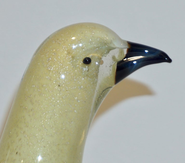 Salviati Attributed 1960s Italian Vintage Yellow Gold Sommerso Murano Glass Bird In Excellent Condition For Sale In New York, NY