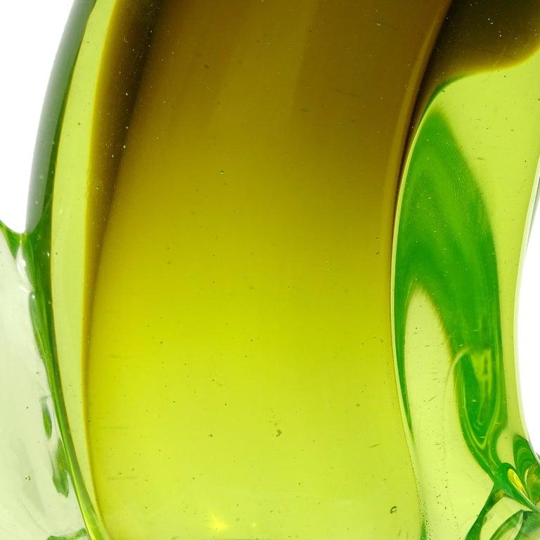 20th Century Salviati Barbini Murano Olive Green Uranium Italian Art Glass Cat Sculpture For Sale