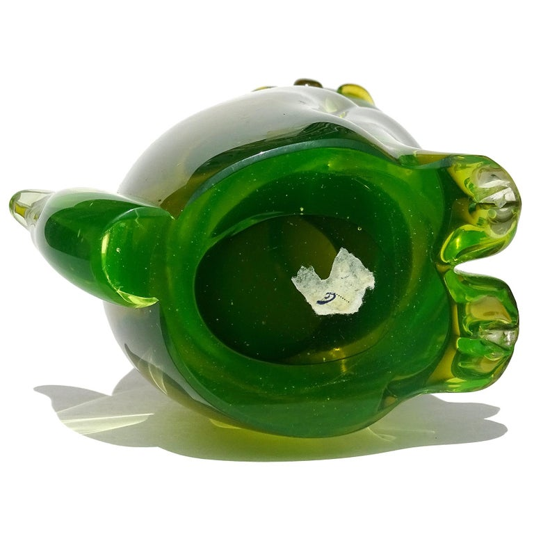 Salviati Barbini Murano Olive Green Uranium Italian Art Glass Cat Sculpture For Sale 1