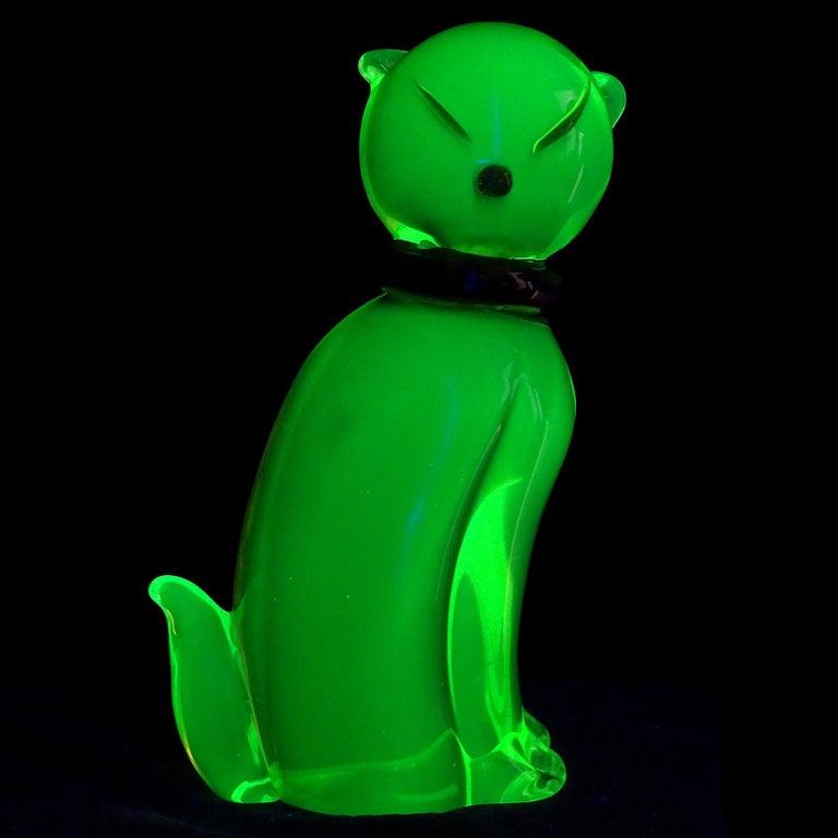 Hand-Crafted Salviati Barbini Murano Olive Green Uranium Italian Art Glass Cat Sculpture For Sale