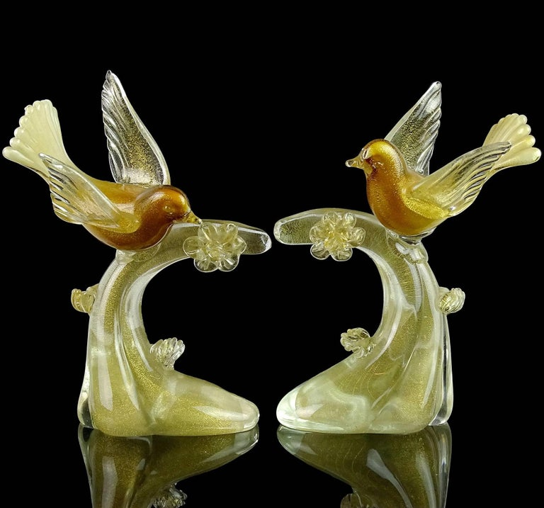 Salviati Murano White Amber Gold Italian Art Glass Birds Centerpiece Sculptures In Good Condition For Sale In Kissimmee, FL