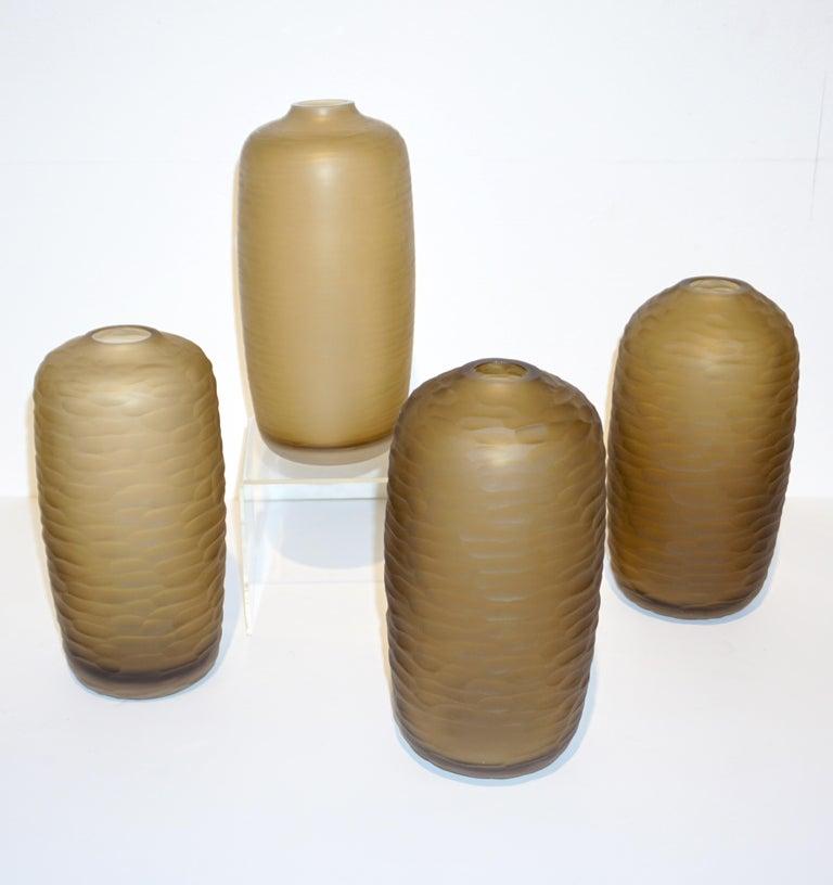 Salviati Vintage Italian Smoked Amber Gold Battuto Murano Art Glass Ovoid Vase For Sale 4