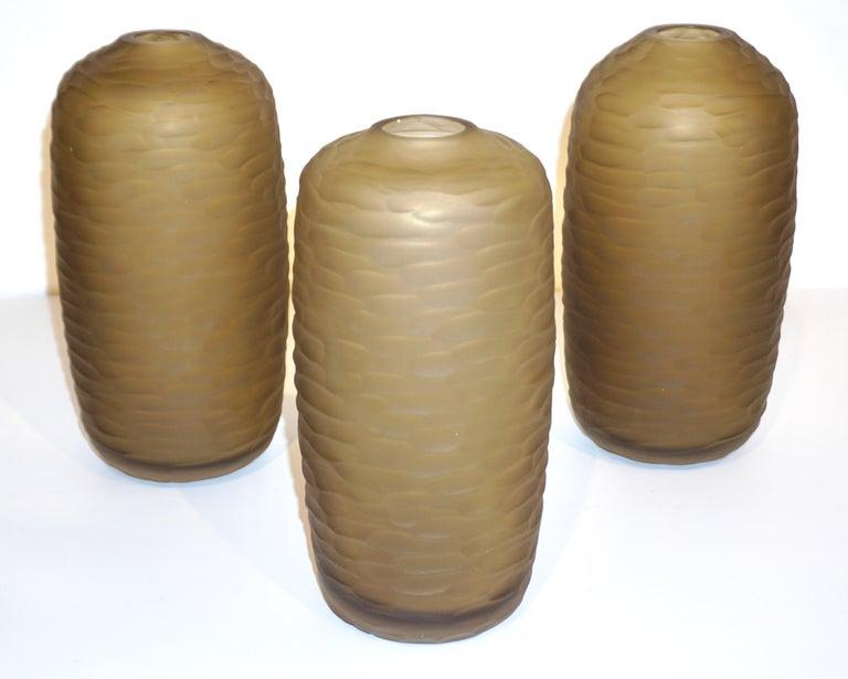 Late 20th Century Salviati Vintage Italian Smoked Amber Gold Battuto Murano Art Glass Ovoid Vase For Sale