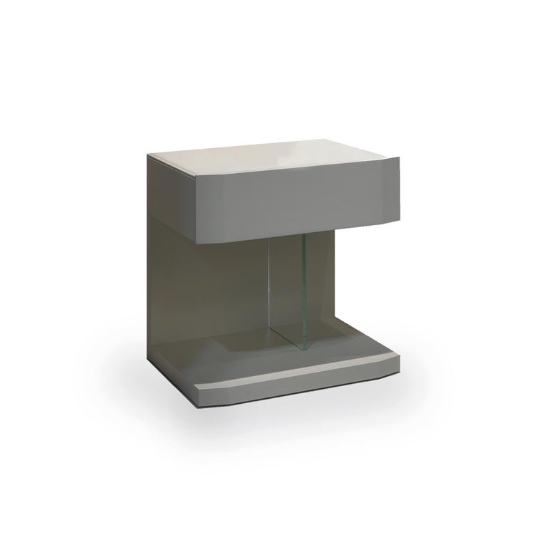 Modern In Stock in Los Angeles, Samar Beige Leather Nightstand Table, Made in Italy For Sale