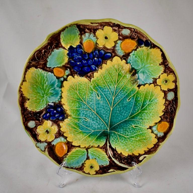 Glazed Samuel Alcock & Co. Strawberry and Grape Leaf Plate, England, circa 1850 For Sale