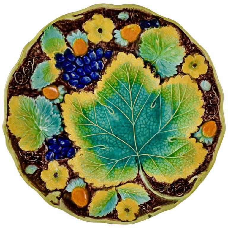 Samuel Alcock & Co. Strawberry and Grape Leaf Plate, England, circa 1850 For Sale