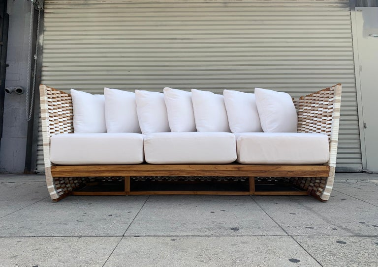 San Martin Outdoor Sofa In Good Condition For Sale In Los Angeles, CA