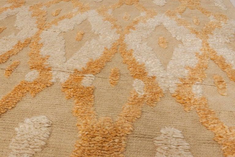 Modern Kasuri Beige, Gold & Orange Rug In New Condition For Sale In New York, NY