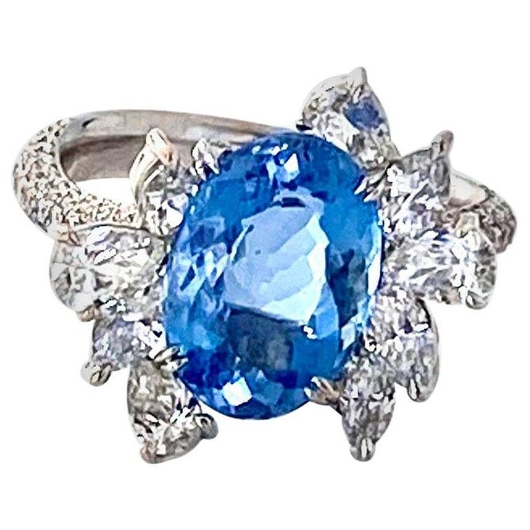 Santa Maria Aquamarine and Diamond Cocktail Ring in 18kt White Gold, 4.7 Carat For Sale