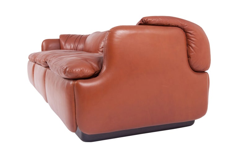 Saporiti 'Confidential' Cognac Leather Sofa by Alberto Rosselli In Excellent Condition For Sale In Antwerp, BE