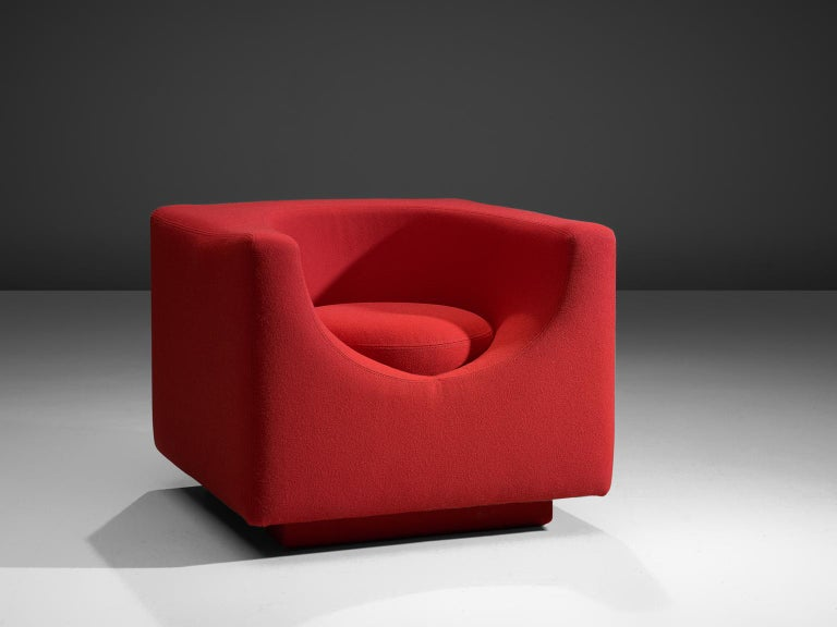 Saporiti, lounge chair, fabric, Italy, 1970s.  These incredibly comfortable cubic chairs of Saporiti are from Italy, 1970s. This design, which is both functional and sculptural it a wonderful example of Italian postwar design. They were very much
