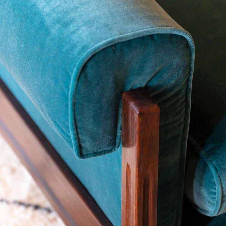 Saporiti Pair of Two-Seat Rosewood Sofas, Teal Green Velvet, circa 1960 3