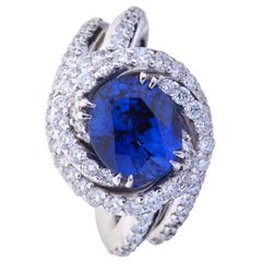 Sapphire 4.07 Carat 'Certificate' Ring White Gold with Circle of Diamonds