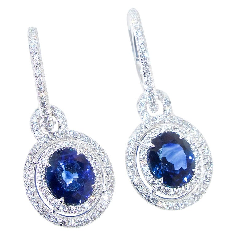 Sapphire and Diamond Earrings, Pierre/Famille For Sale