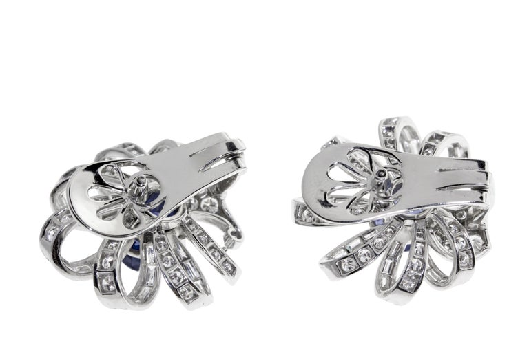 Sapphire and Diamond Flower Earrings Set in Platimim In Excellent Condition For Sale In New York, NY