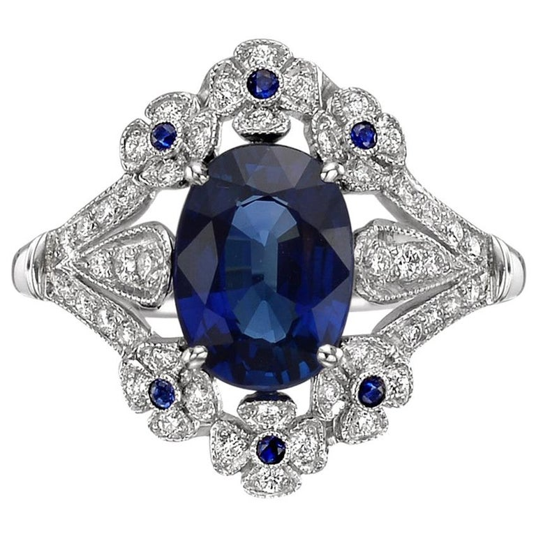 Sapphire and Diamond Flower Ring For Sale