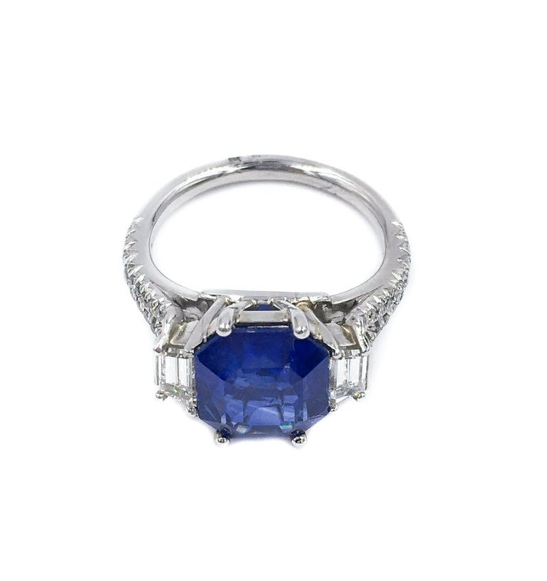 GIA Certified Sapphire and Diamond Platinum Ring In New Condition For Sale In Greenwich, CT