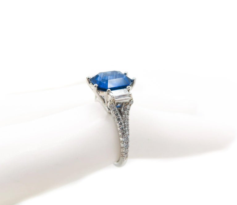GIA Certified Sapphire and Diamond Platinum Ring For Sale 3