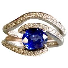 Ring mit Saphir und Diamant