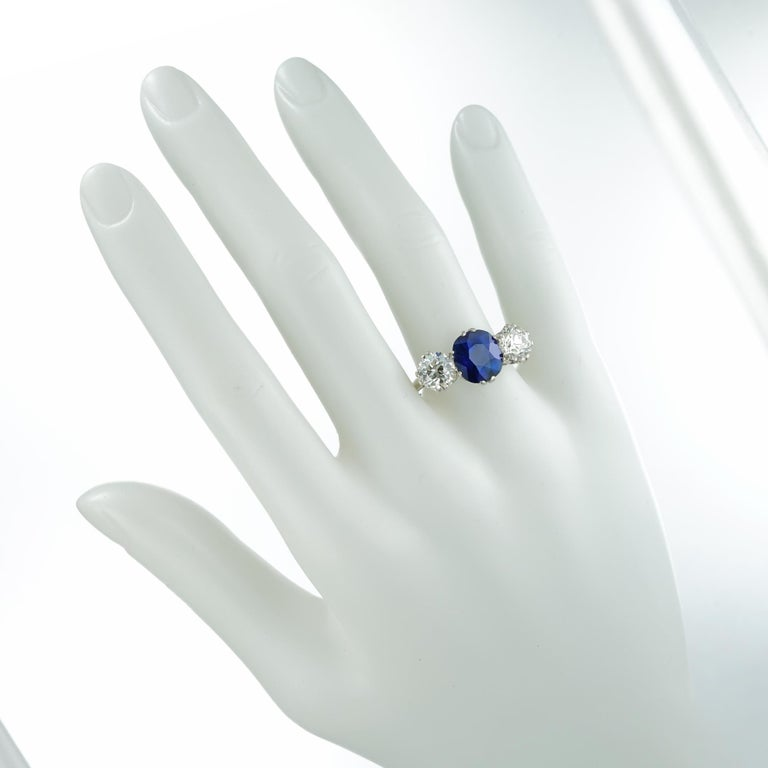 Sapphire and Diamond Three-Stone Ring For Sale 1