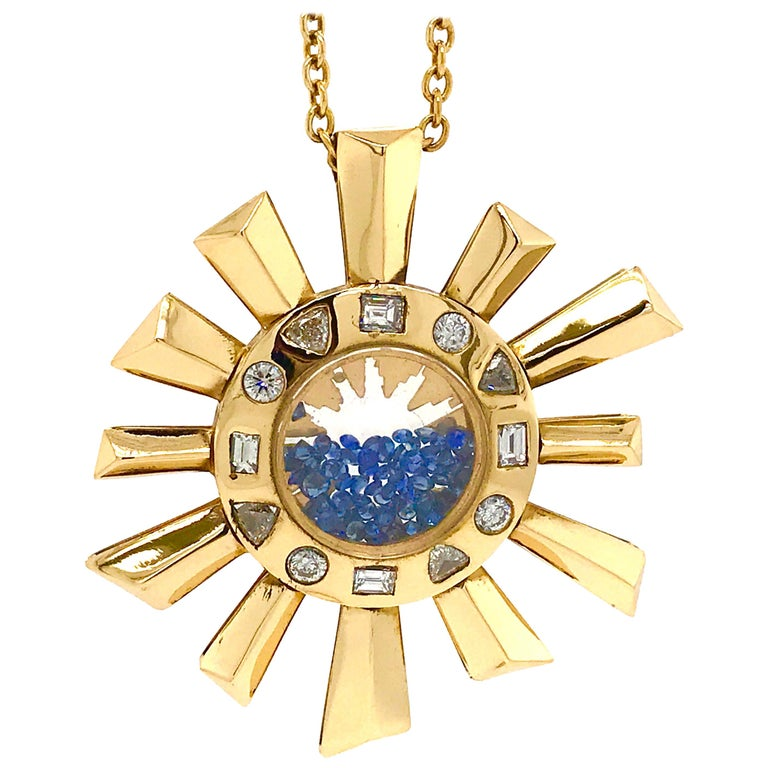 Sapphire and Diamonds Necklace on a Yellow Gold 18 Karat Pendant in Sun Shape For Sale