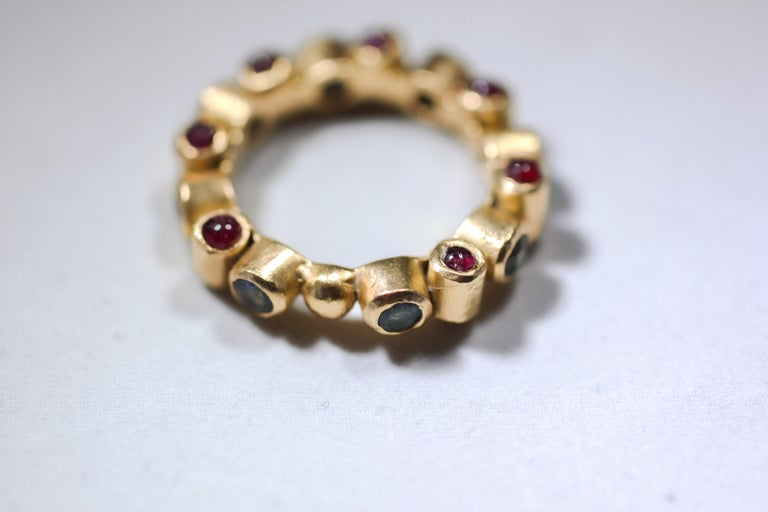 Round Cut Sapphire and Ruby 18 Karat Gold Bridal Band Ring For Sale