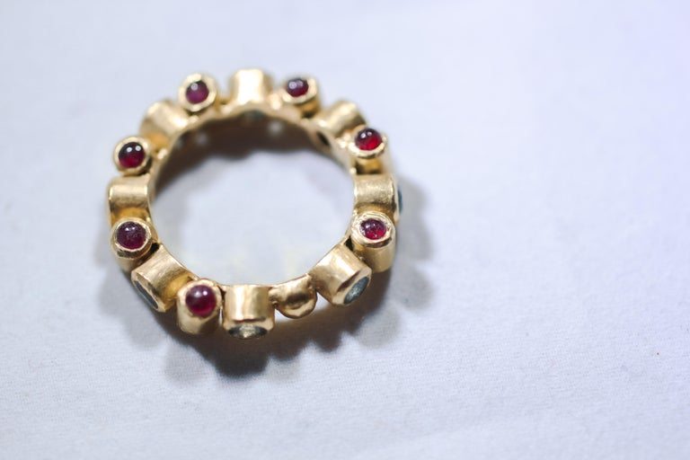 Sapphire and Ruby 18 Karat Gold Bridal Band Ring In New Condition For Sale In New York, NY