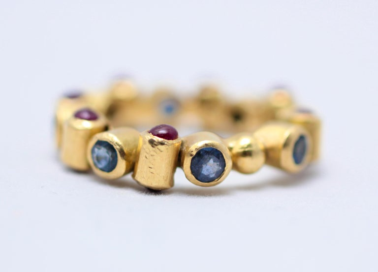 Sapphire and Ruby 18 Karat Gold Bridal Band Ring For Sale 3