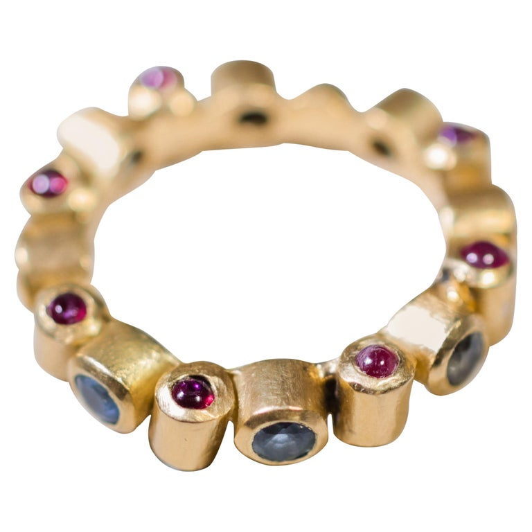 Sapphire and Ruby 18 Karat Gold Bridal Band Ring For Sale
