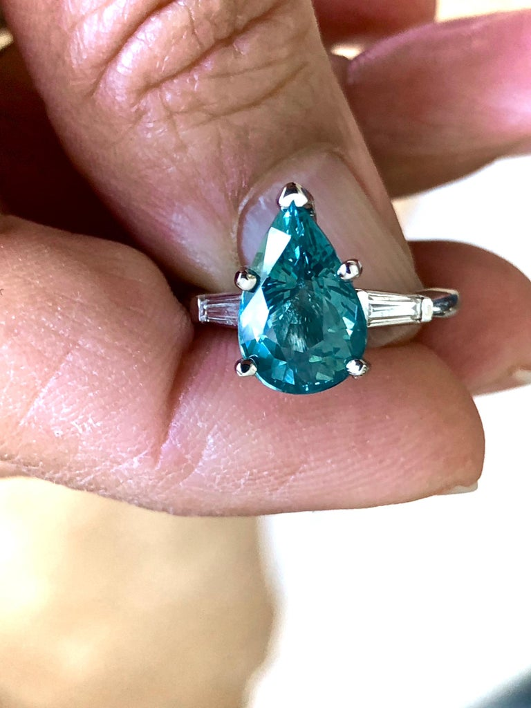Contemporary Teal Natural Sapphire Diamond Engagement Ring Gold For Sale