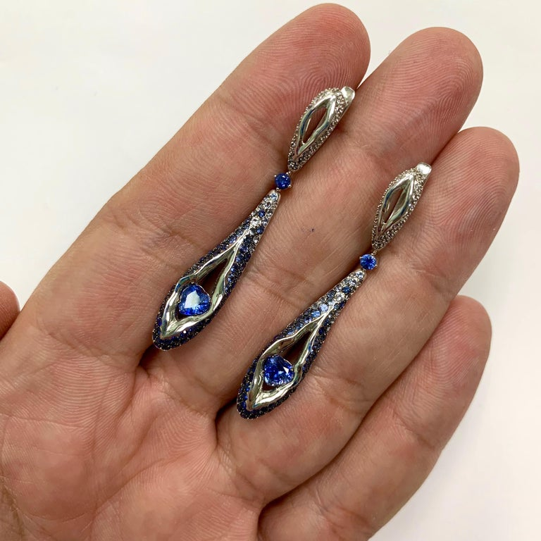 Contemporary Sapphire Diamond 18 Karat White Gold Heartbeat Earrings For Sale