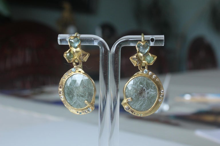 Sapphire Diamond 22K- 21K Gold Dangle Drop Organic Earrings  In New Condition For Sale In New York, NY