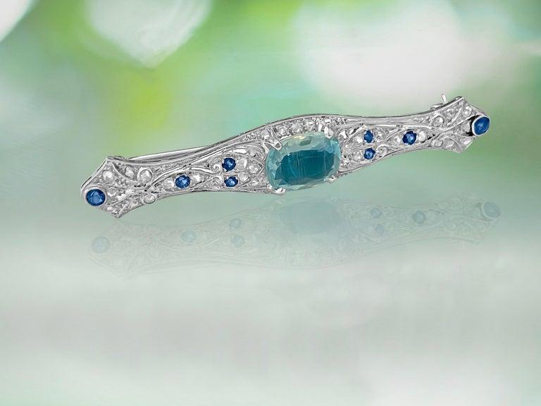 Sapphire Diamond and Aquamarine Art Deco Style Pin In Excellent Condition For Sale In Miami, FL