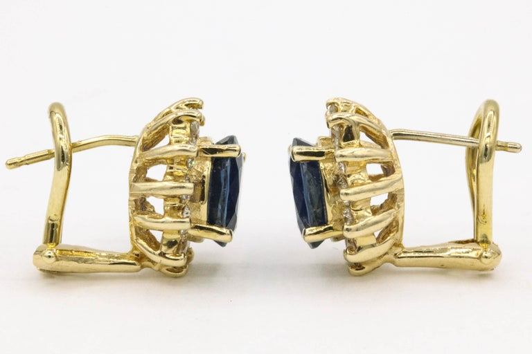 Contemporary Sapphire Diamond Halo Stud Earrings 4.14 Carat 14 Yellow Gold For Sale