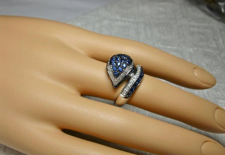 Round Cut Sapphire Diamond Snake Ring 18 Karat White Gold Serpent Retro For Sale