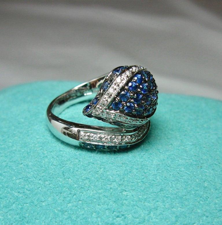 Women's or Men's Sapphire Diamond Snake Ring 18 Karat White Gold Serpent Retro For Sale