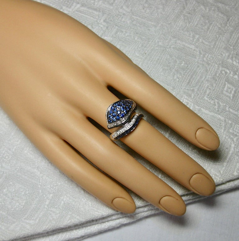 Sapphire Diamond Snake Ring 18 Karat White Gold Serpent Retro For Sale 2