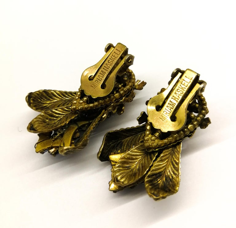 Sapphire glass pastes and gilt metal earrings, Miriam Haskell, 1950s In Excellent Condition For Sale In London, London