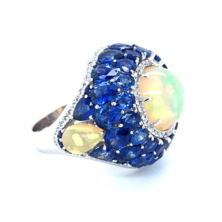 Sapphire and Opal Diamond Ring 18 Karat Gold In New Condition For Sale In Miami, FL