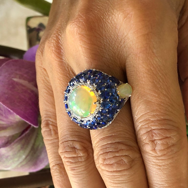Sapphire and Opal Diamond Ring 18 Karat Gold For Sale 3