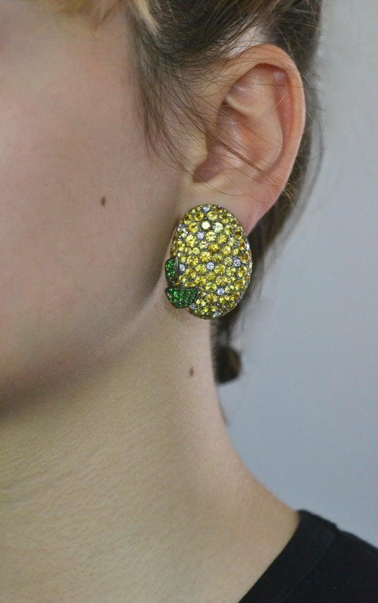 Contemporary Margherita Burgener Yellow Sapphires Tsavorite Diamond Titanium Gold Earrings For Sale