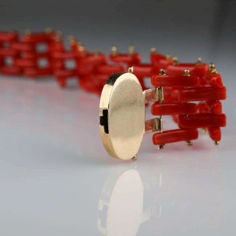 Sardinian Coral and Gold Carved Link Bracelet from Italy, circa 1970s In Excellent Condition For Sale In Southbury, CT