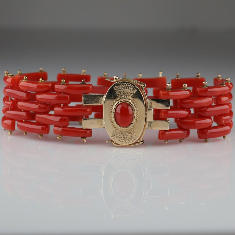 Sardinian Coral and Gold Carved Link Bracelet from Italy, circa 1970s For Sale 1