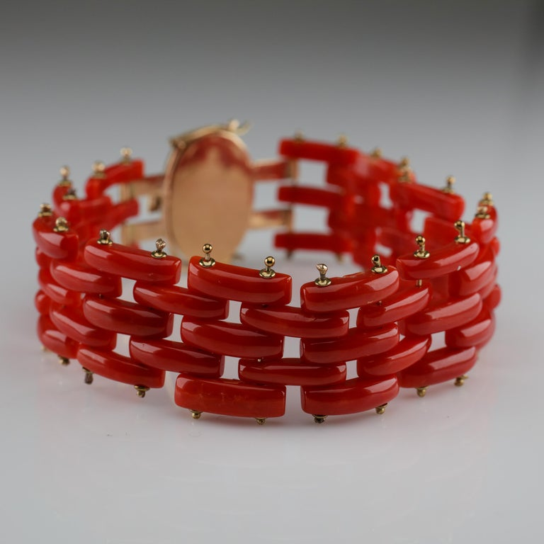 Sardinian Coral and Gold Carved Link Bracelet from Italy, circa 1970s For Sale 4