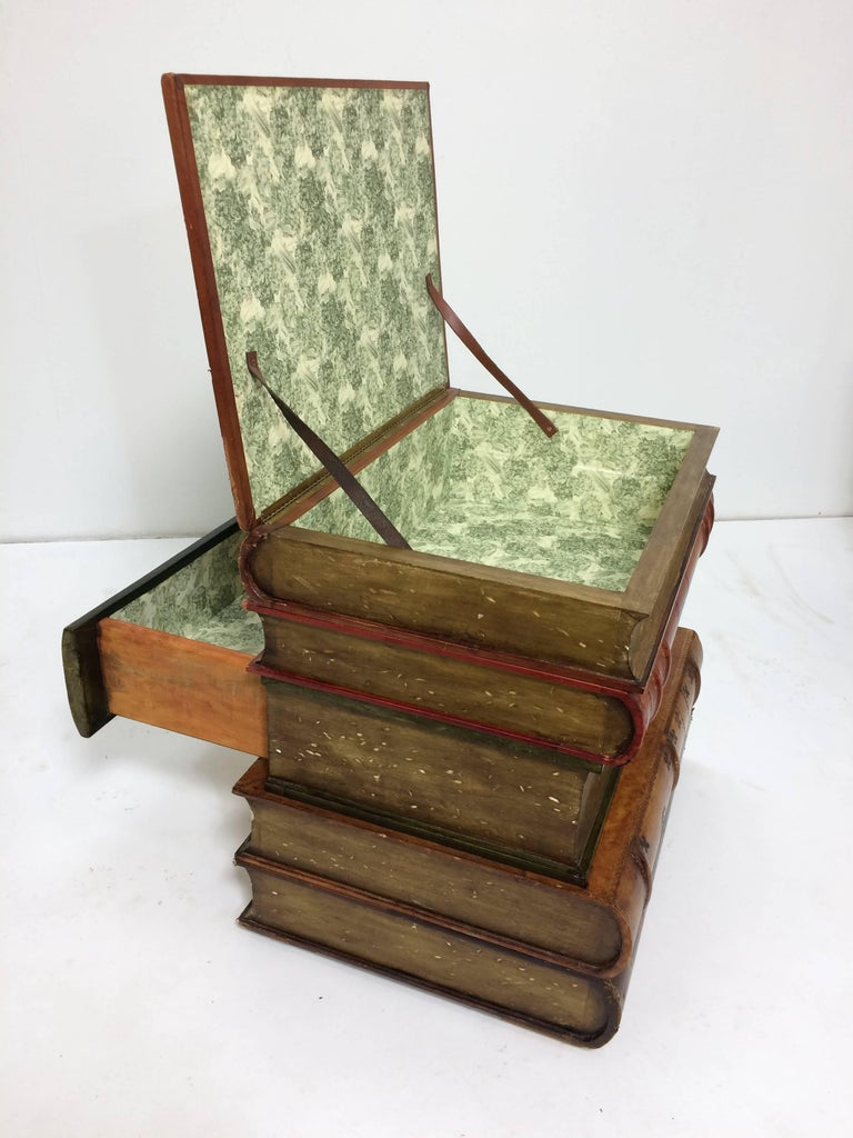 Mid-20th Century Sarreid Italian Leather Stacked Book Form End Table, circa 1960s For Sale